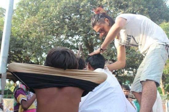 インド バラナシ ヘアカット
