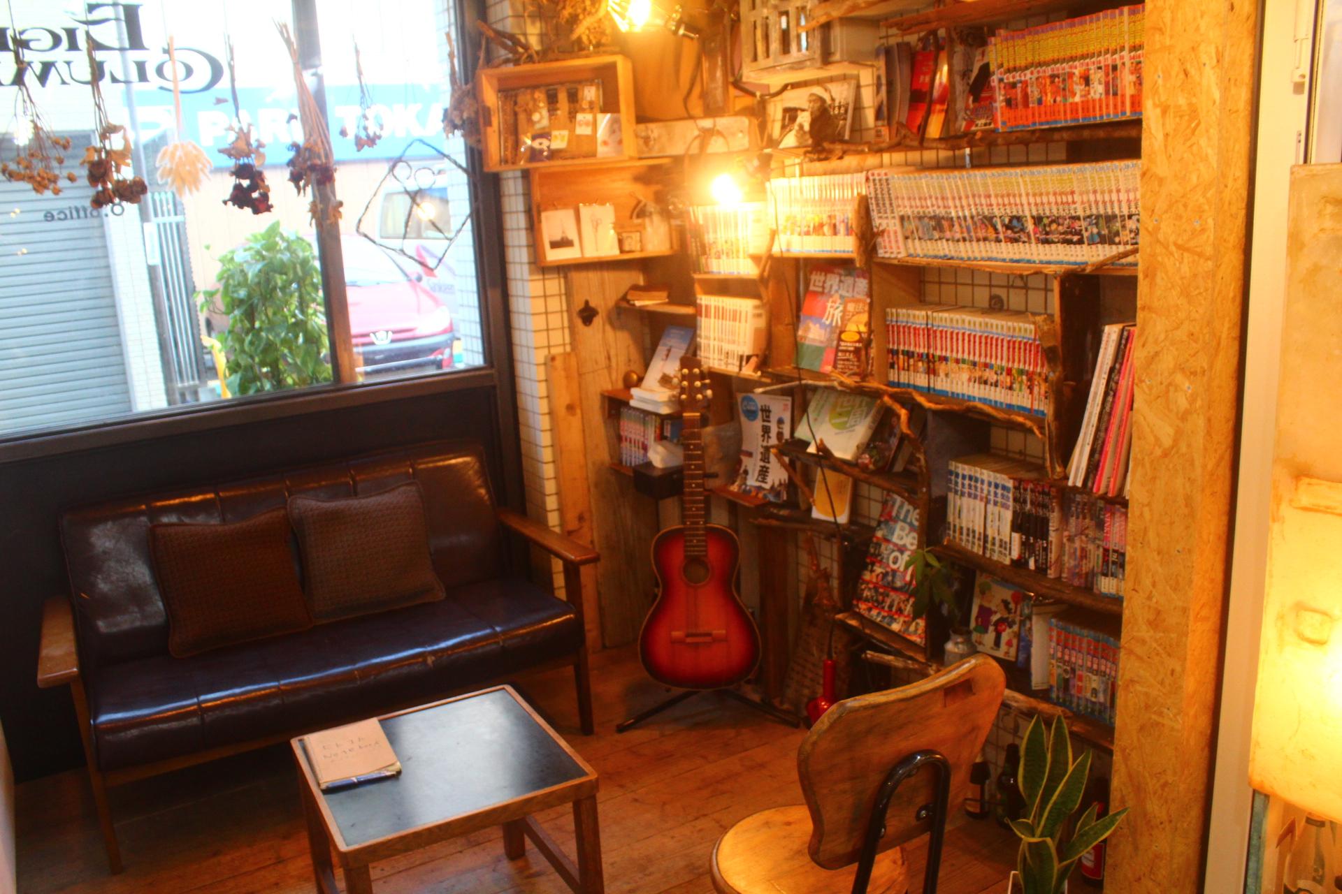高円寺の漫画が読める美容室です