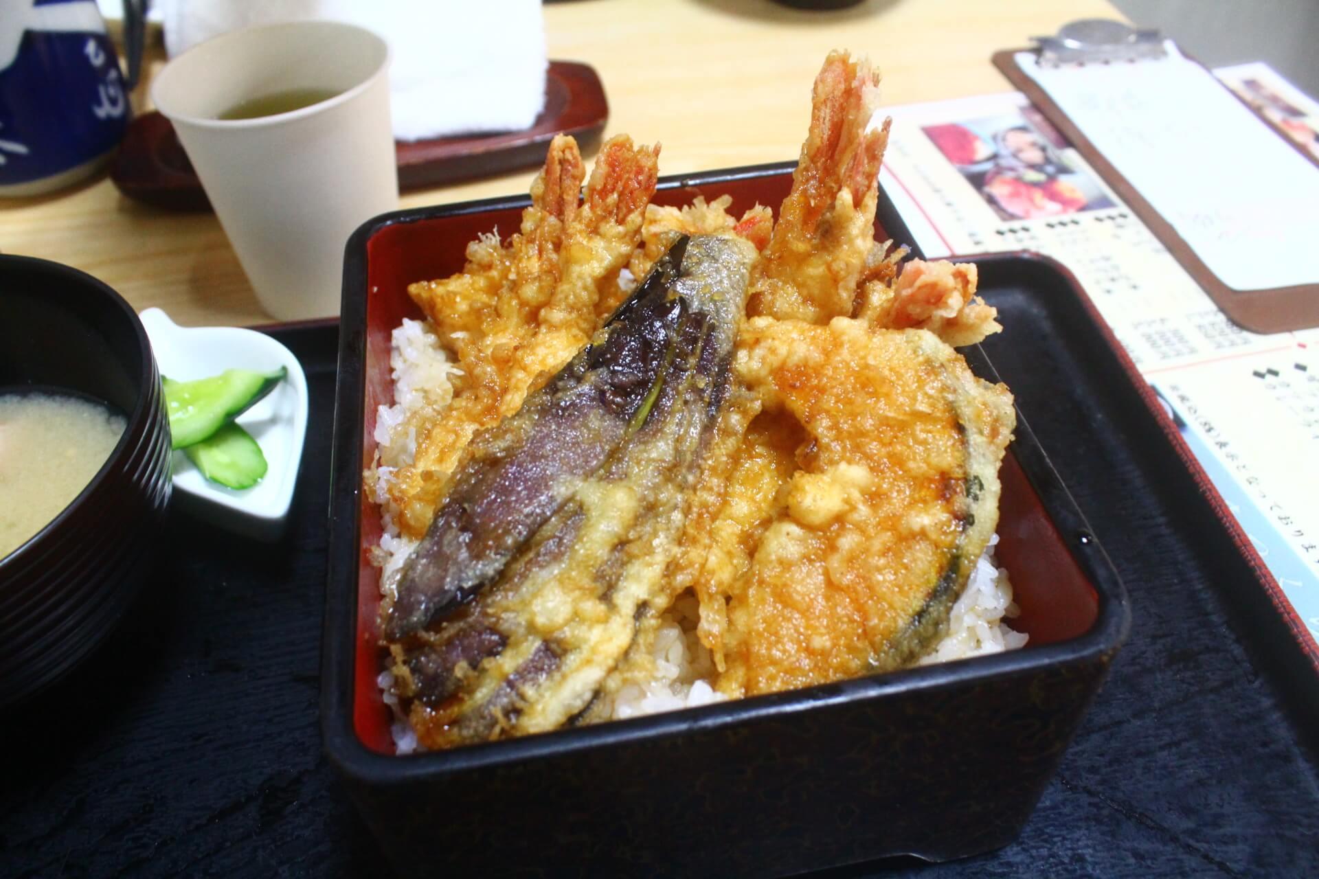 寿司のまつくらの甘エビ天丼