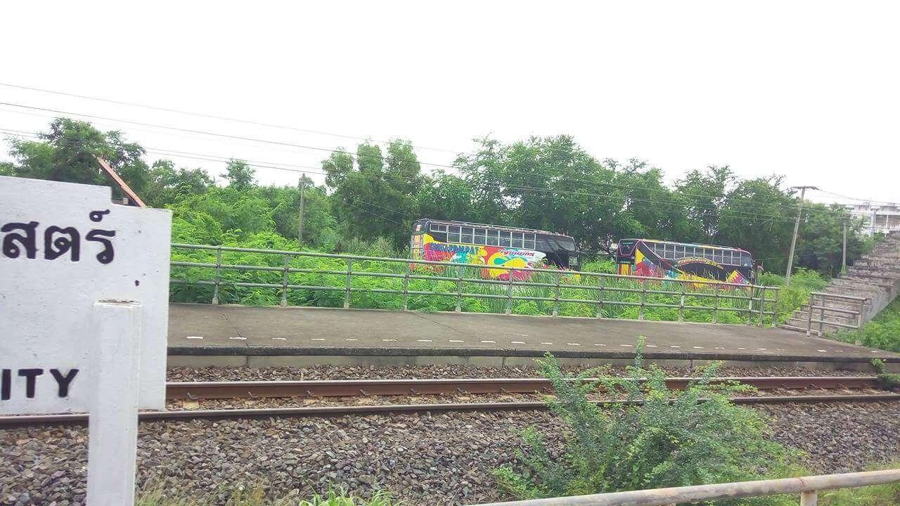 アユタヤ行きの電車