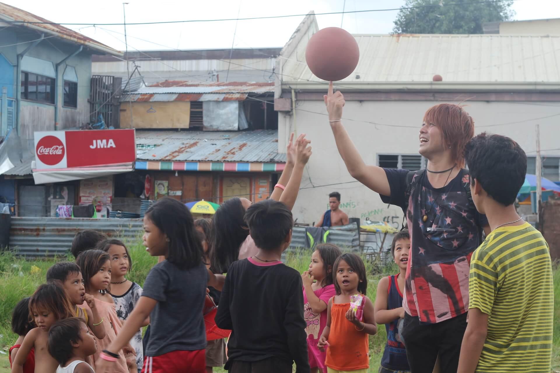 フィリピンではバスケが大人気