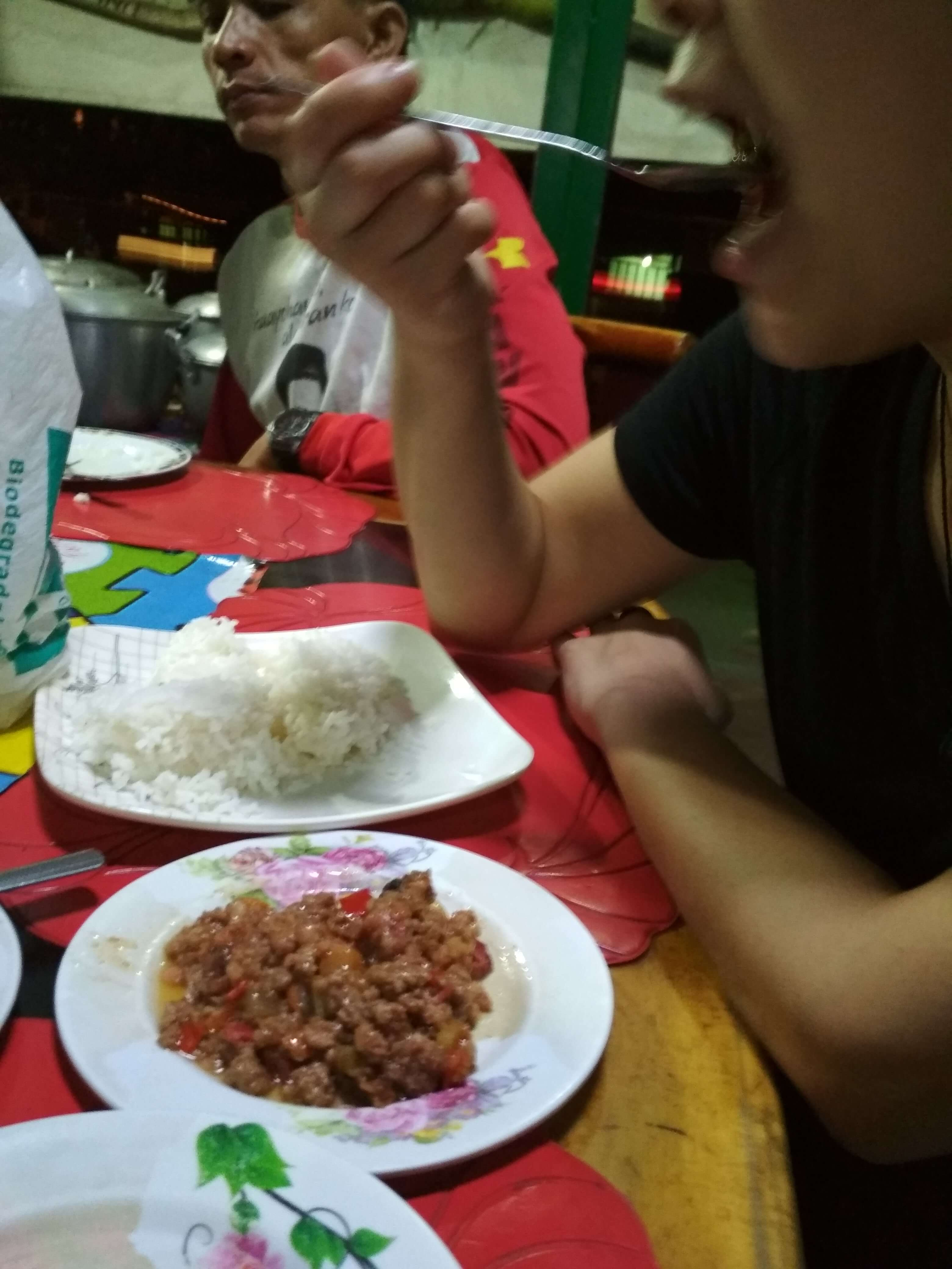 フィリピン深夜食堂