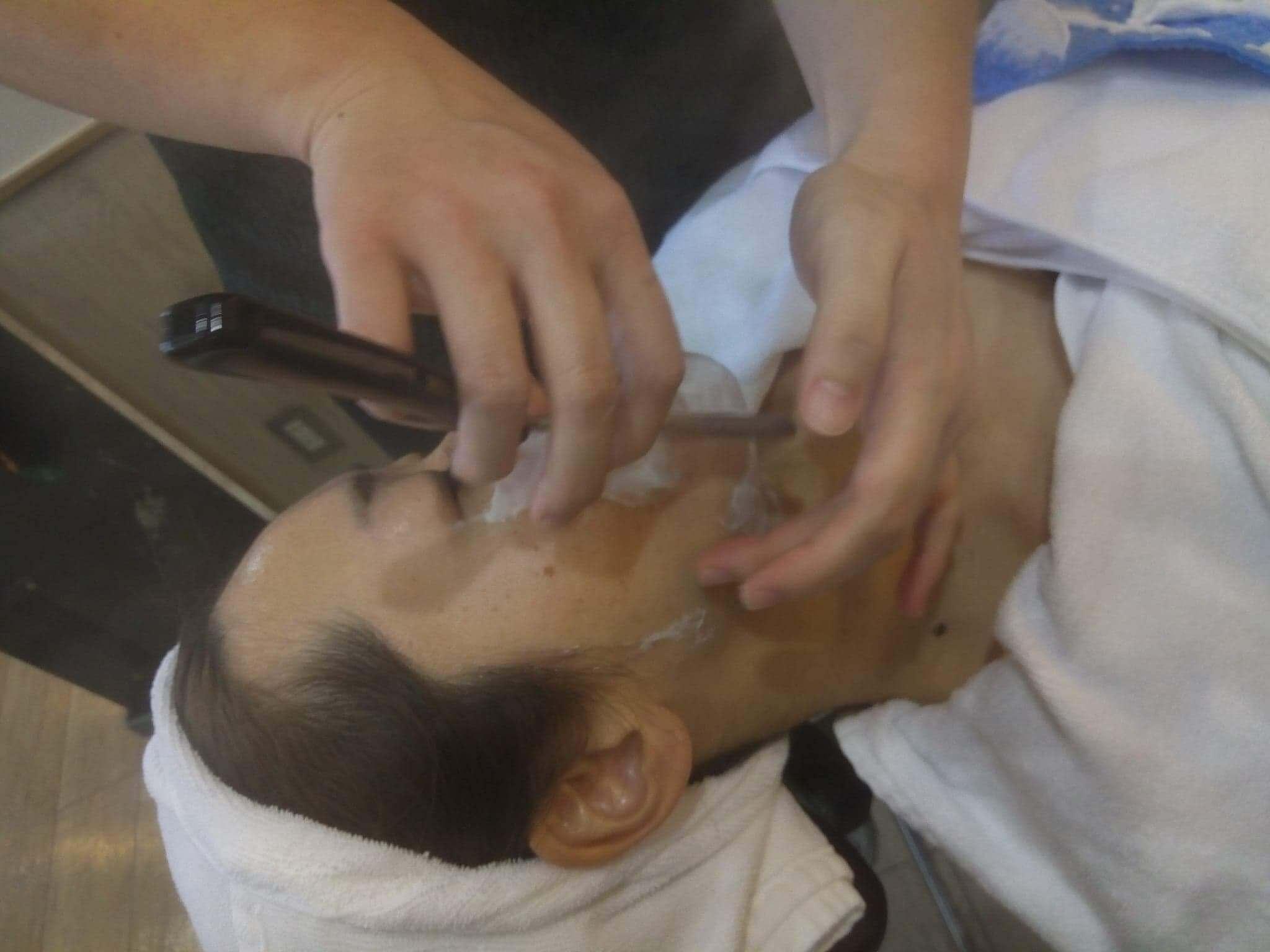 顔剃り講習