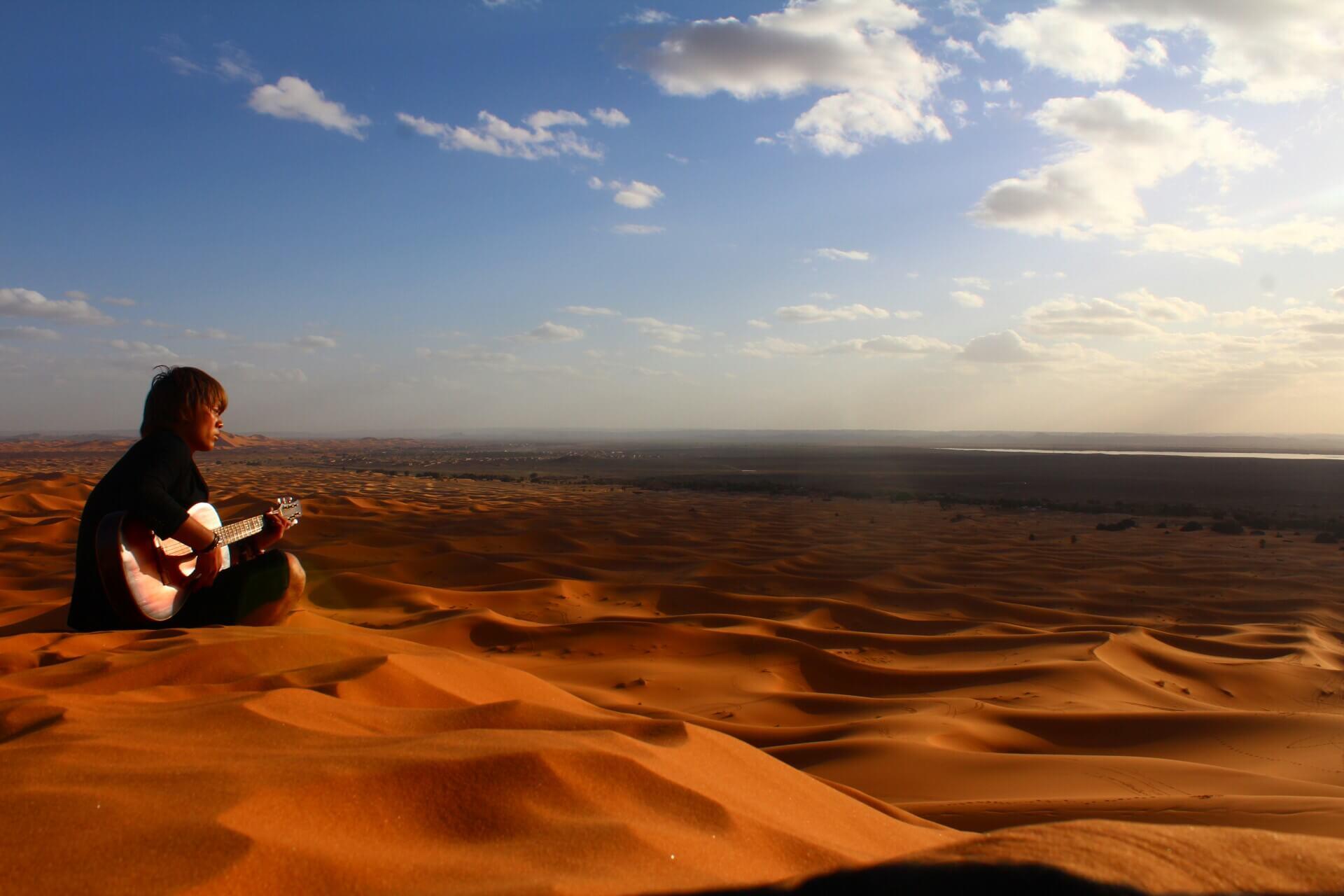 サハラ砂漠ギター