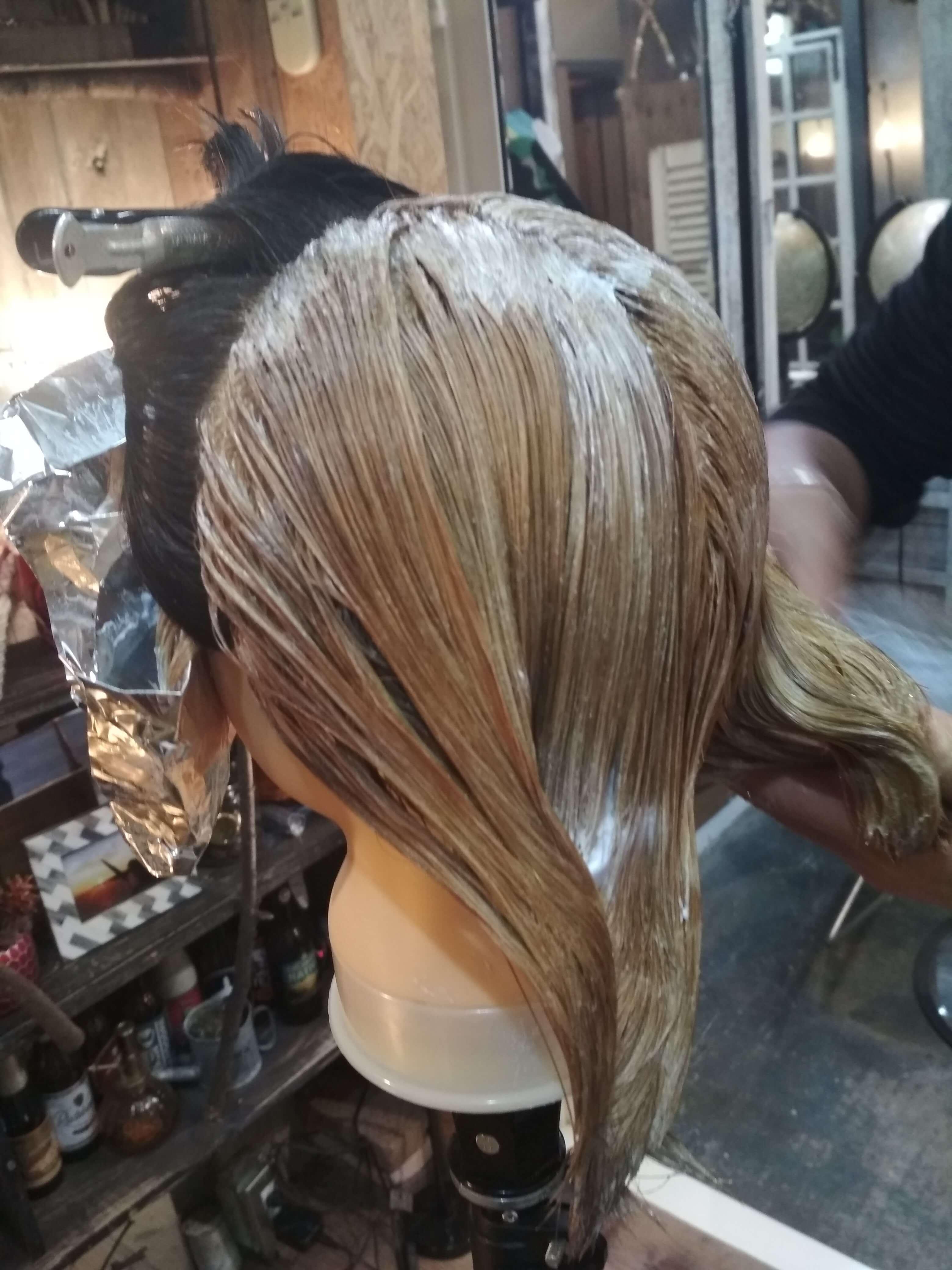 遊戯髪型色