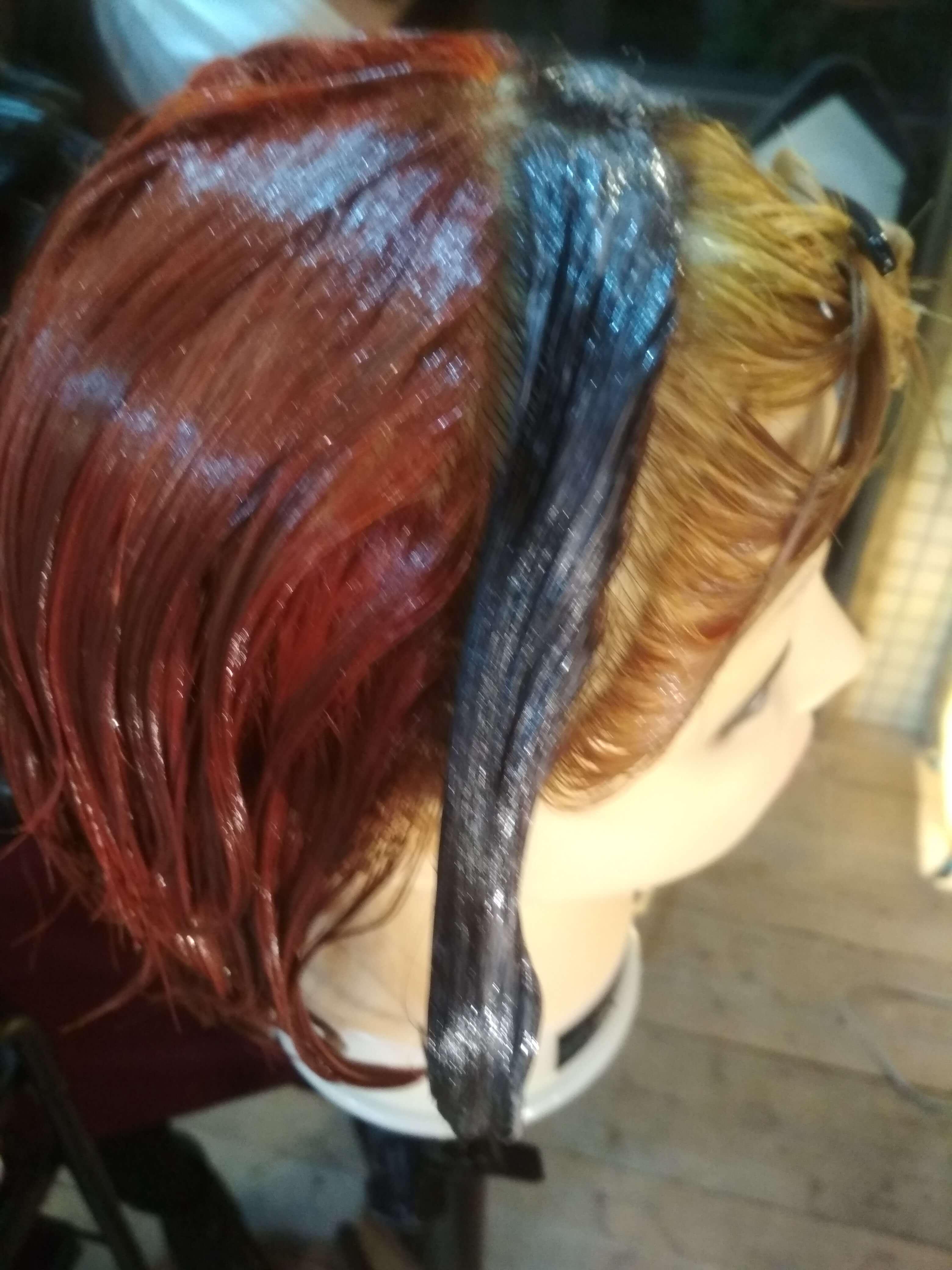 遊戯の髪型