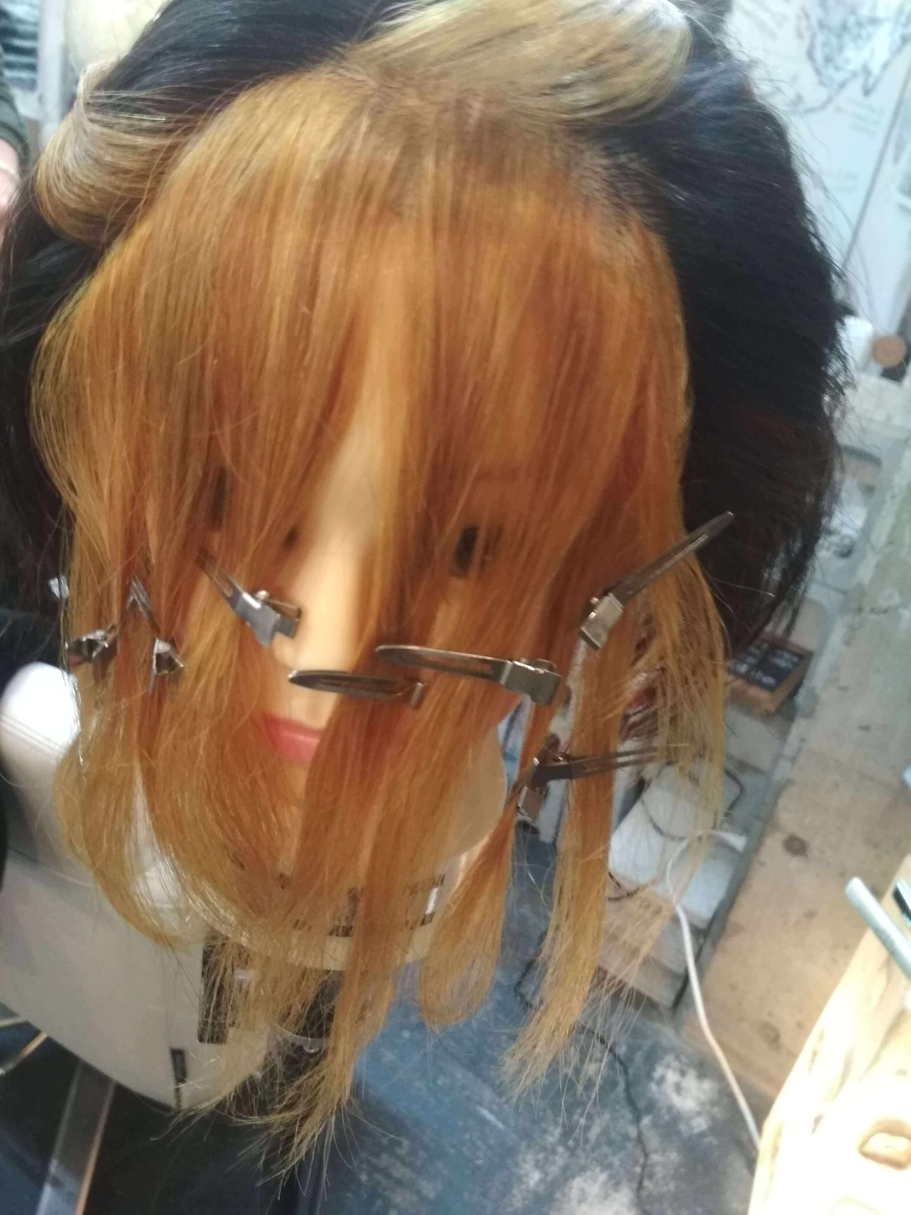 遊戯の髪型を作る