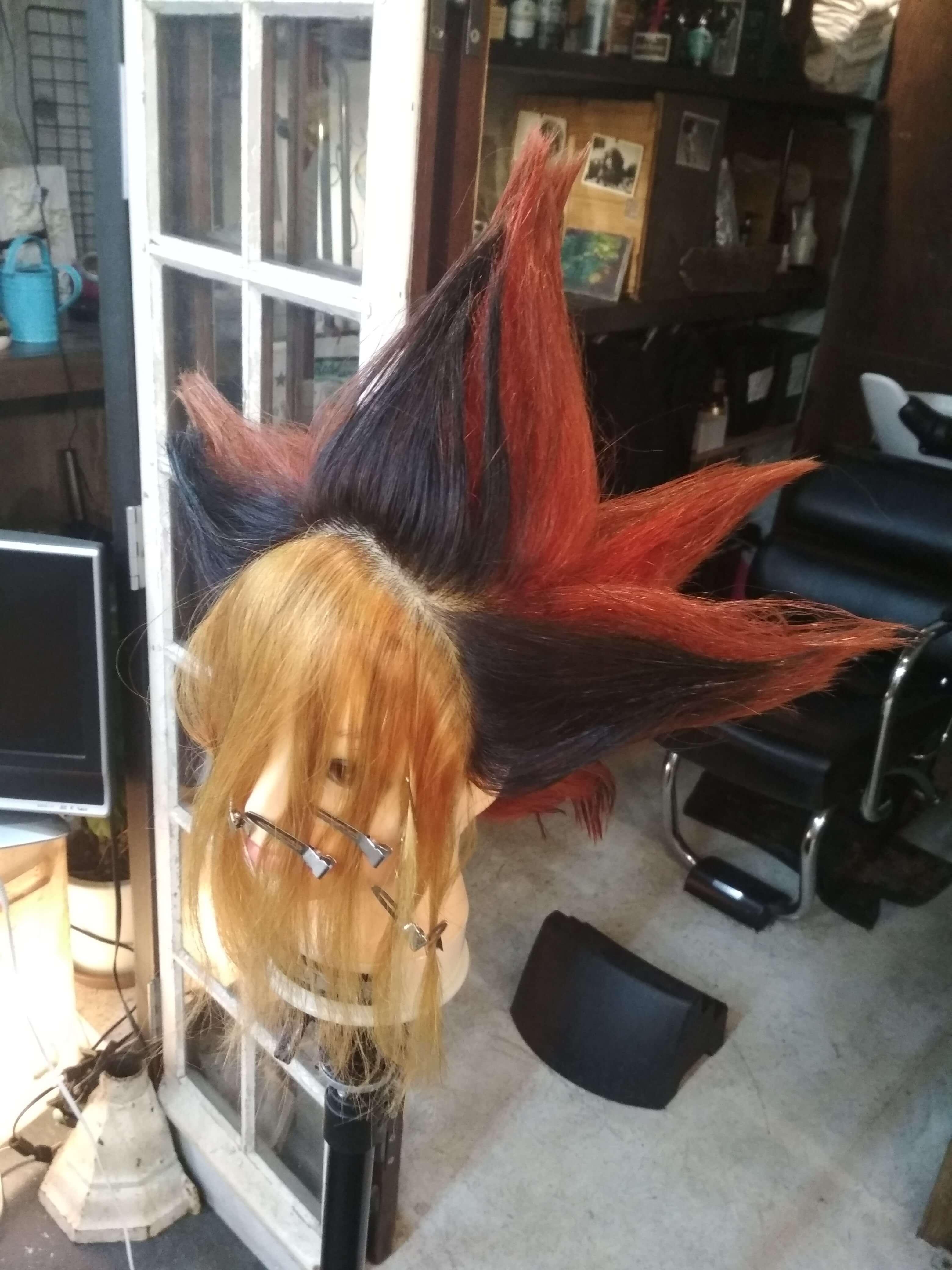 遊戯の髪型すごい