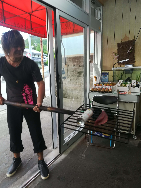 カツオの藁焼き体験